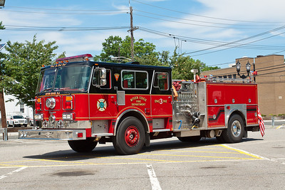 River Edge Engine 3, 1986 Seagrave, refurbished in 2003, 1250gpm/500gwt.