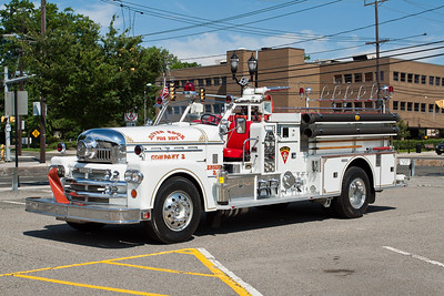 River Edge NJ ex-engine 2, retired in 2006, 1962 Seagrave, 1250gpm/500gwt, maintained by company 2 for parades.