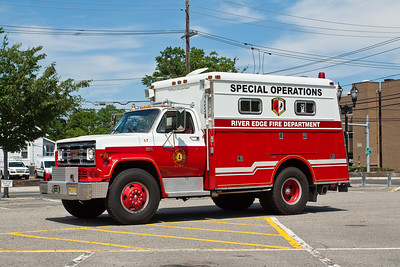 River Edge NJ Squad 7, 1982 GMC/Reading special operations truck.