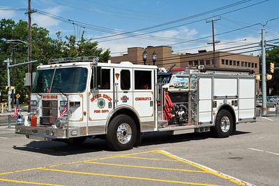 River Edge NJ Engine 2, 2006 Pierce Saber 1500gpm/500gwt