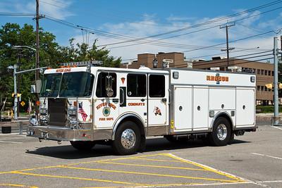 River Edge NJ Rescue 1, 1989 Spartan/Saulsbury heavy rescue.