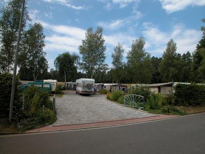 Obere Einfahrt mit Wohnmobil an Entleerungsstation Wohnmobilentsorgung