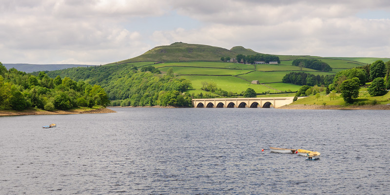 Crook Hill and Ladybower Reservoir in the Peak District