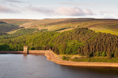 Sunrise on Howden Reservoir