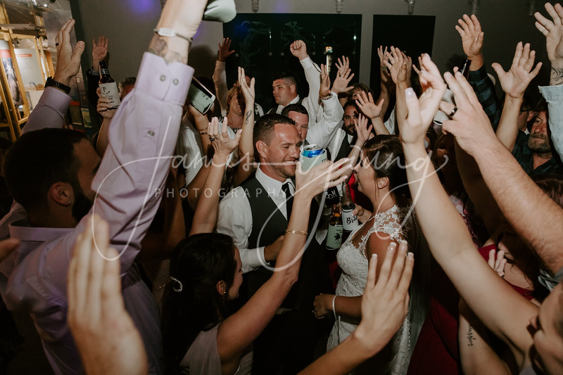 des_and_justin_wedding-2120-4.jpg