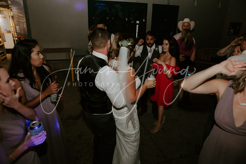 des_and_justin_wedding-2131-4.jpg