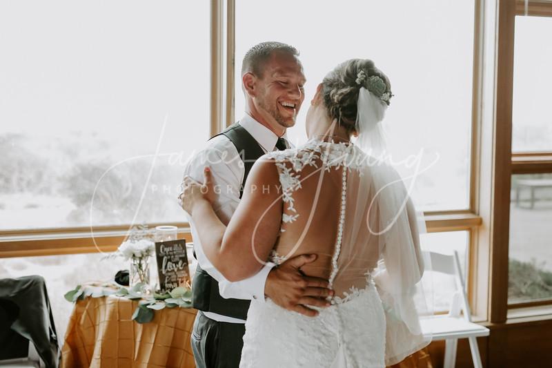 des_and_justin_wedding-2438-2.jpg