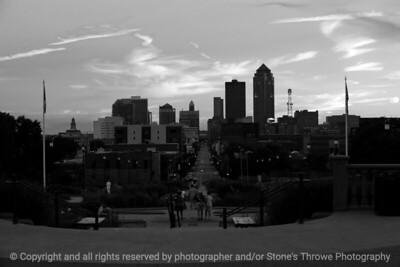 015-cityscape_sunset-dsm-25jul10-18x12-003-bw-6425