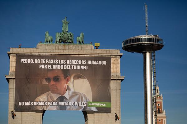Acción arco Moncloa, Pedro Sanchez, día derechos humanos