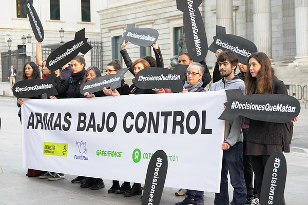 Protesta de Armas Bajo Control frente al Congreso