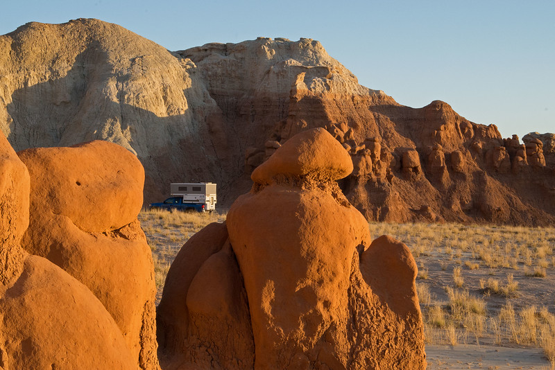 Our favourite spot was already taken, but there are many other fine camping places, tucked into bays in the cliffs to the west of Goblin Valley.
