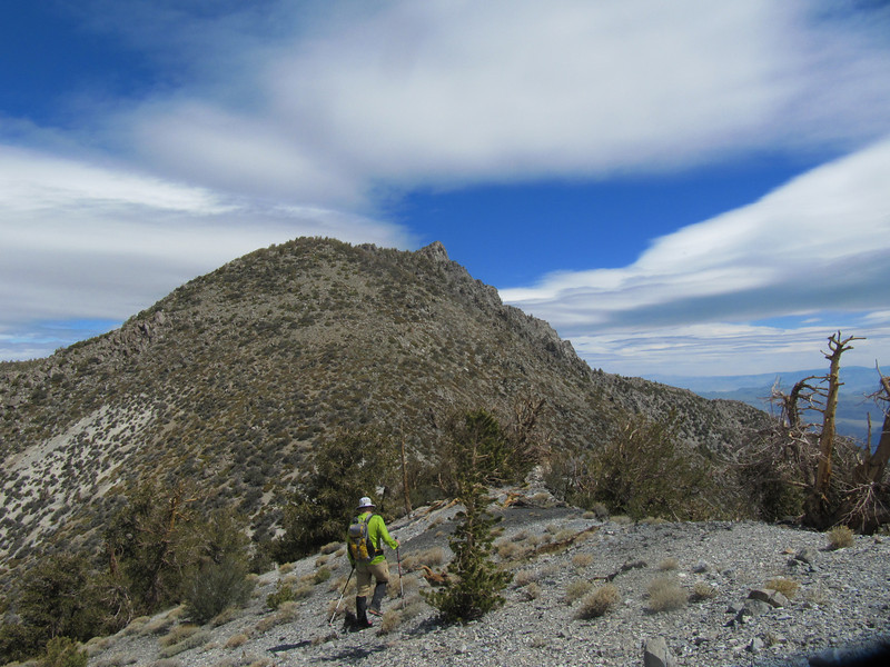Route to Inyo is more up/down than to Keynot.  We loose elevation before climbing that first bump