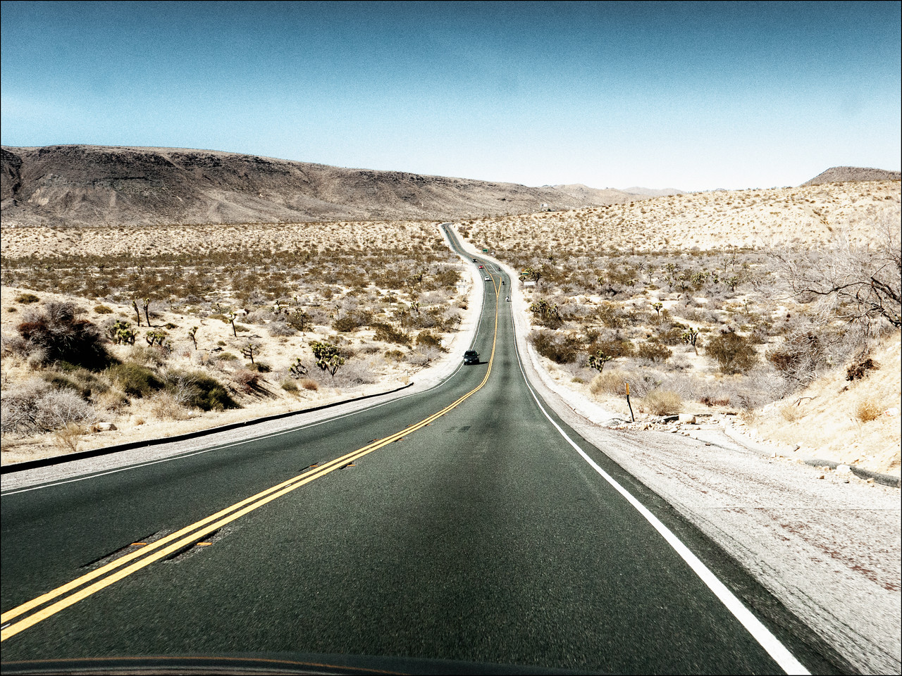 This is the road we drove to come to Palm Springs last Friday but it was dark then so now we get to see what we missed!