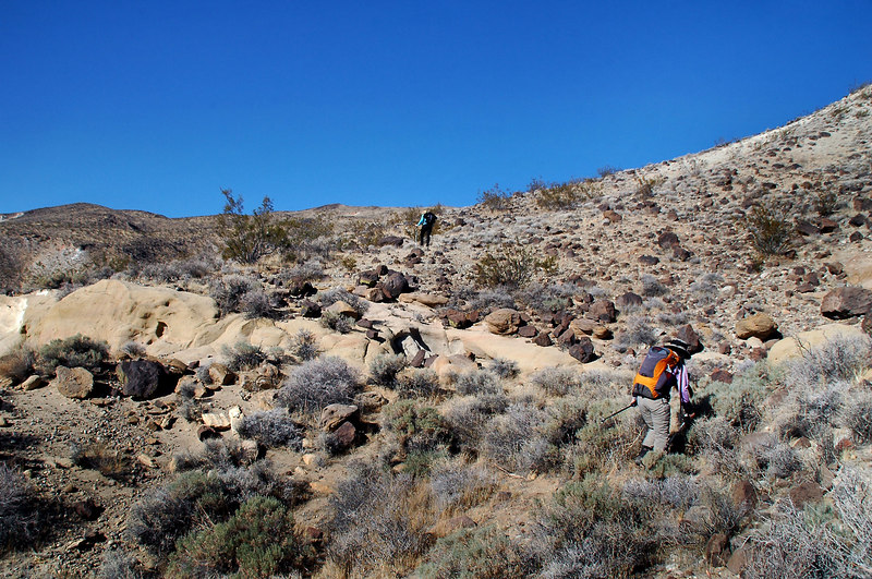 Cori and Sooz a short way into the hike.