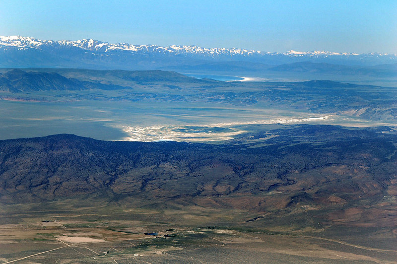 Zoomed in a little, Mono Lake comes into view.