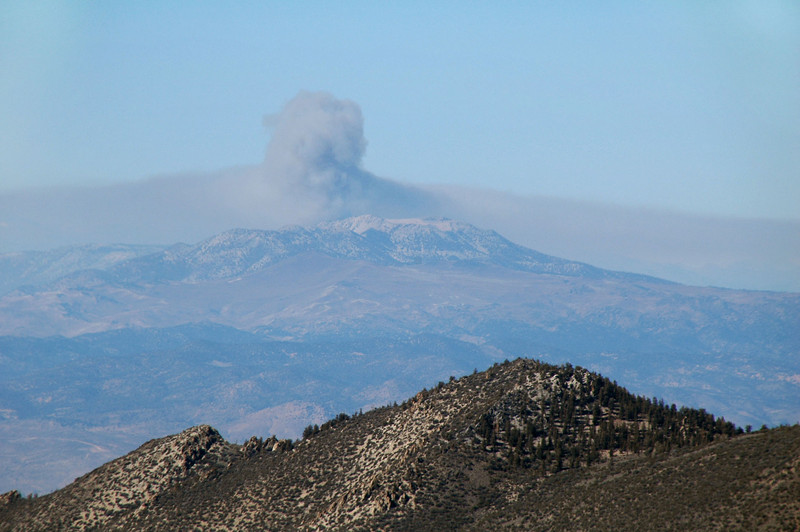 From the peak, we could see smoke rising to the northwest from behind Glass Moutain.