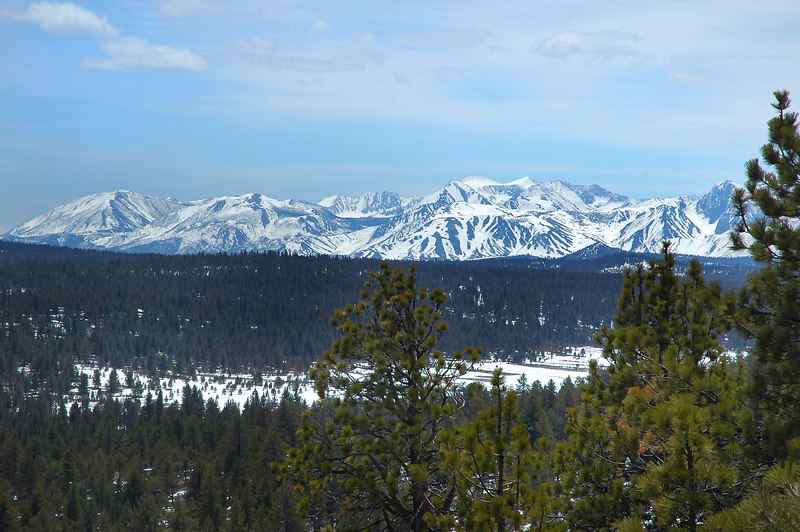 Part of the Sierra came into view to the south as I satarted gaining some altitude.