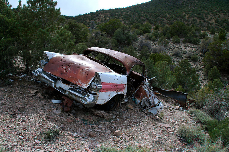 Near the pass was this old car.