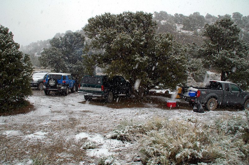 The snow started during the night. The group decided to wait it out to see if it stops before starting the hike.
