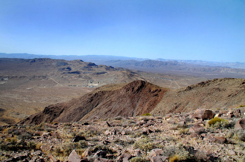 The towns of Red Mountain and Johnnesburg from the peak towards the west.