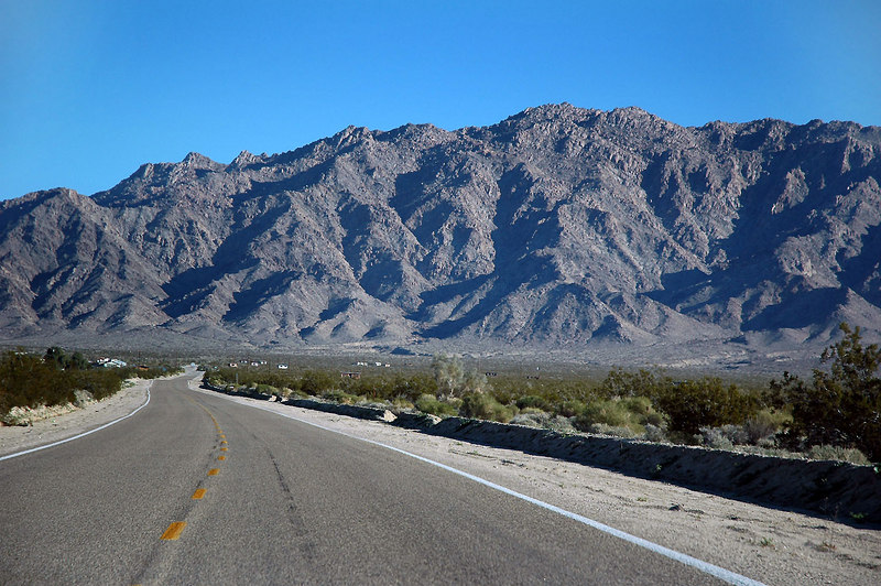 A view of Sheephole Mountain from the Amboy Road.