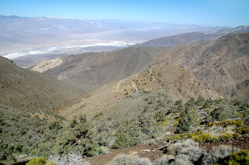 The Panamint Valley comes into view as I gain a little altitdue on the ridge.
