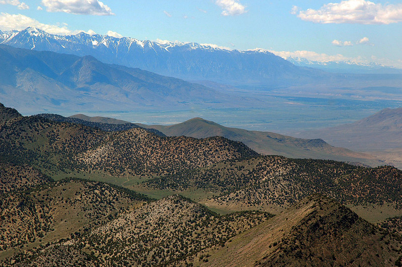 Looking north up the Owens Valley towards Bishop.