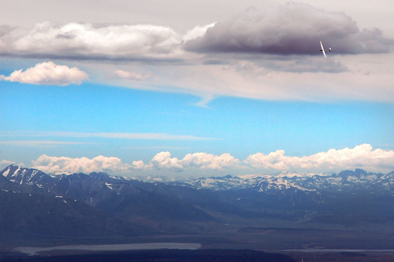 A few sailplanes showed up as we were about to start down. Lake Crowley on the left.