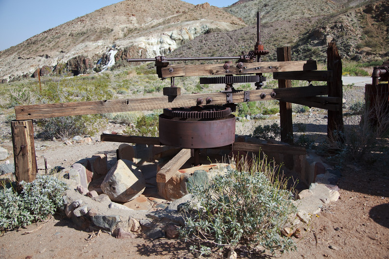 This is the business end of the mill. Large rocks were dragged around in the pit to grind down the gold ore so it could be sluced to separate the gold from the crushed rock. The Spaniards used such Arrastres, powered by burros instead of steam engines, to mine gold several hundred years ago.