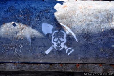 Symbol for Cerro Gordo - found it all over the place. Me likey.