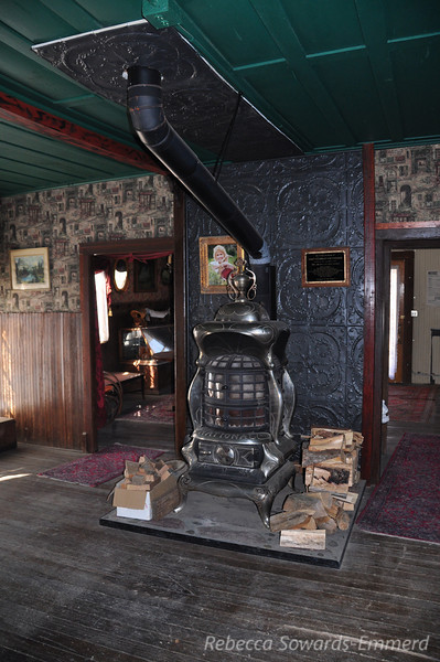 Inside the Hotel - so cool! Cerro Gordo is a privately owned town, and for a small donation a caretaker (Mr D) showed us around and let us in the old hotel. Check out that stove!