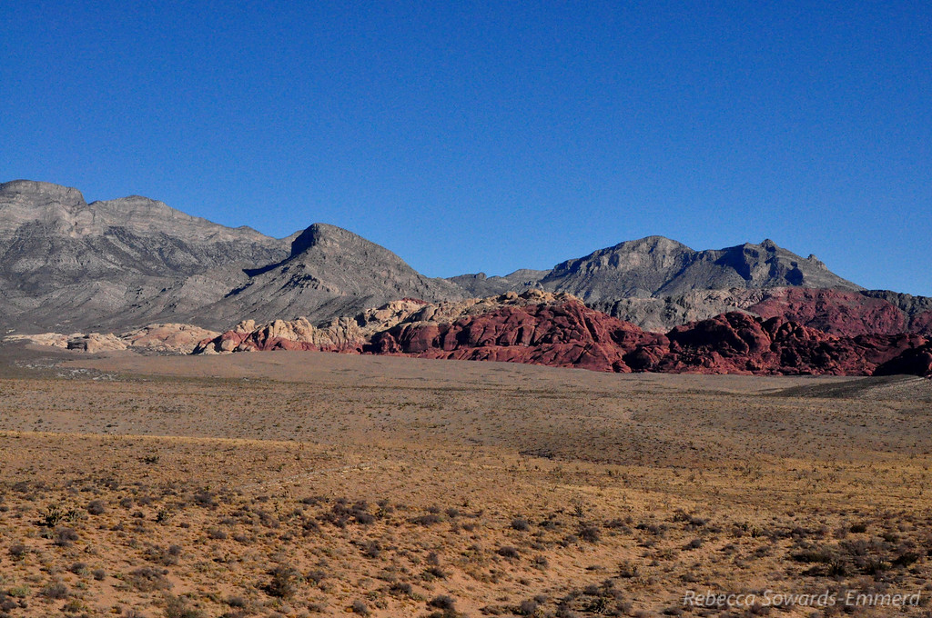 Calico Hills and Turtlehead Peak from the viewpoint.