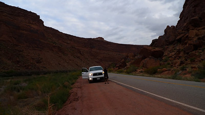 Stopping for lots of pictures. Colorado river on the left.