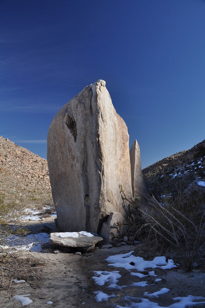Cool rock in the middle of this little canyon