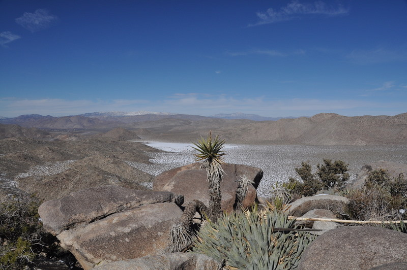 That's a dry lake down there - will be wet after another day of sun to melt the snow.