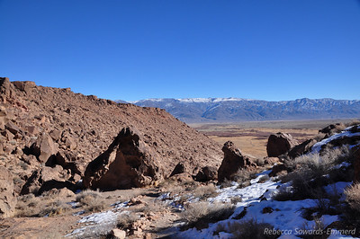 View towards the white mountains from the Happy Boulders