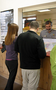 Paige and Dave talk to the ranger and pick up our backcountry permit.