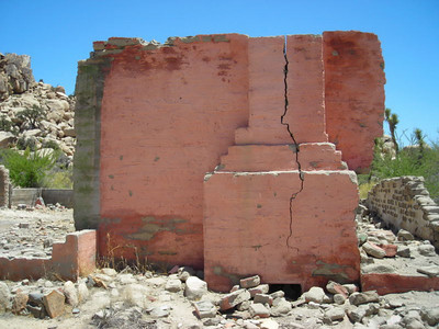 An old (pink!) house, now in ruins, about a mile from the mill.