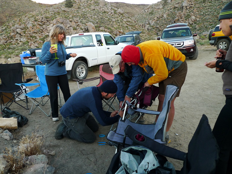 How many handymen does it take to fix a camp chair?