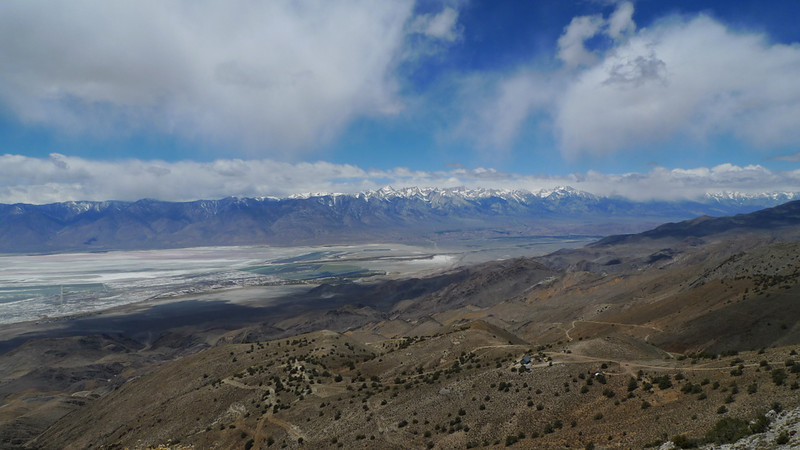 Sierra view - absolutely incredible views from up here. The snowcapped peaks include Langley, Whitney, Williamson.