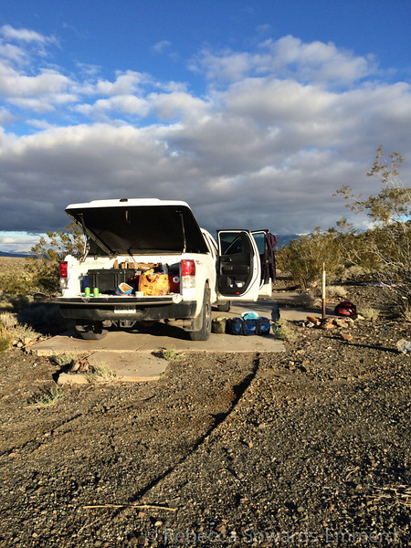 After mesquite, we drove over to the Shadow Mountain mine to set up camp for the night. The drive in was interesting - deep sand followed by washout that made the road completely disappear from time to time. Eep.
