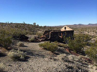We found another building back in the Shadow Mountain Mine area. This is a step up from the corrugated wall structures near the mill site - maybe this was the supervisor's house?