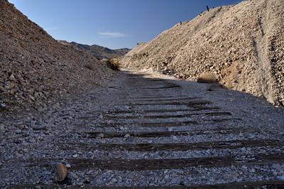 Rail-less railroad