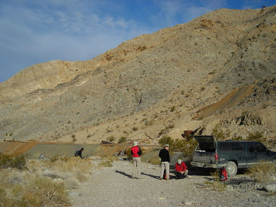 Gathering at Ubehebe Mine  Everyone packing up and getting ready at Ubehebe mine at around 8:30 am.