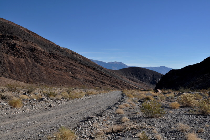 Today's plan was to check out warm springs canyon. It's a nice road up until warm springs, then it gets a bit gnarly.