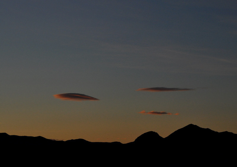 Previous day - getting ready for the Warm Springs run. Alien spacecraft, or morning sunrise?