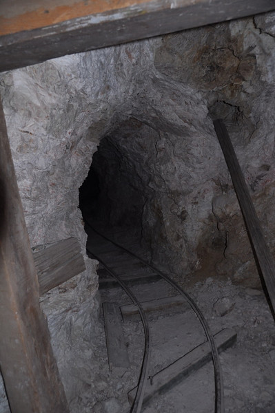 Inside the mine - didn't go in very far, though this one looked a bit more stable.