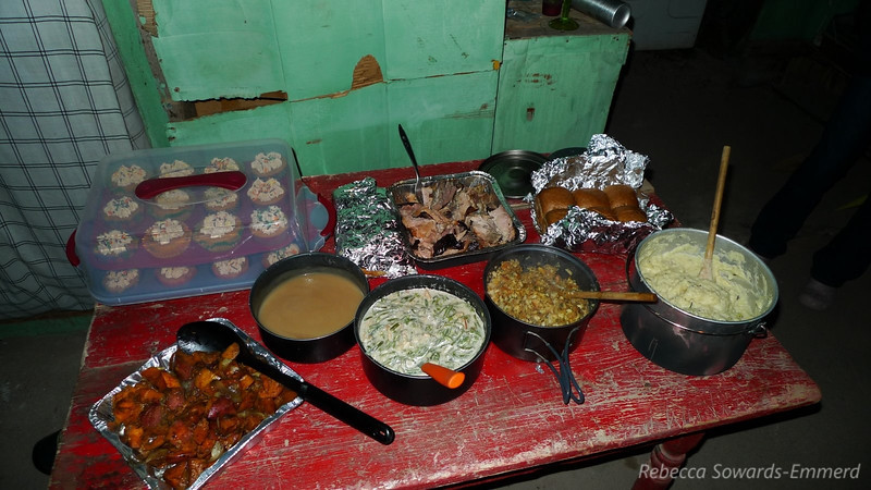 And there you have it. Dinner! Sweet potatoes, gravy, smoked turkey, bean glop, stuffing, rolls, mashers, and pumpkin cupcakes. All out in the middle of nowhere in an old desert miner's cabin. My friends rock.