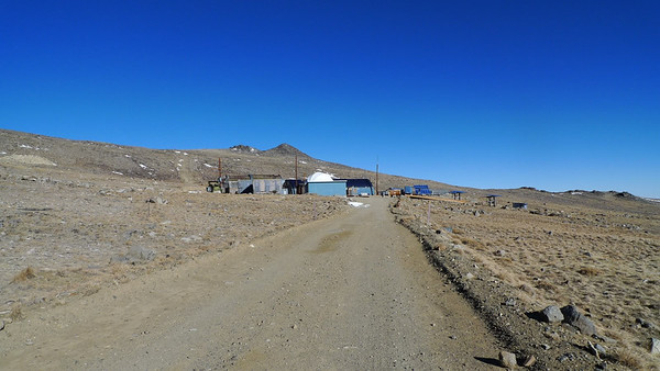 The Barcroft research facility. About 12,500k and 2 miles into the hike.