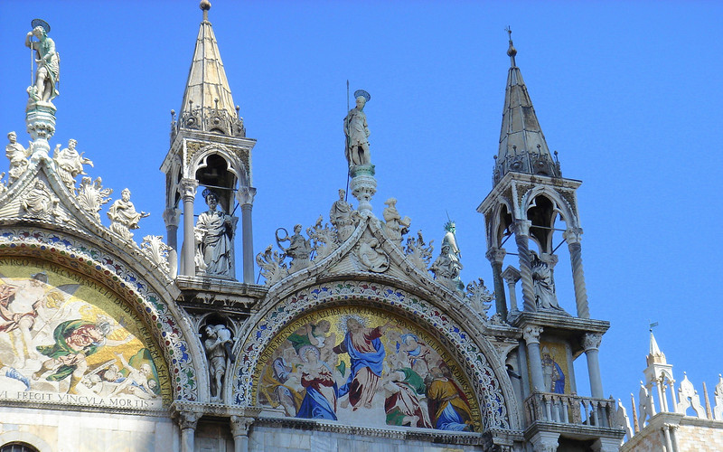 Basilica di San Marco, detail above central arch.